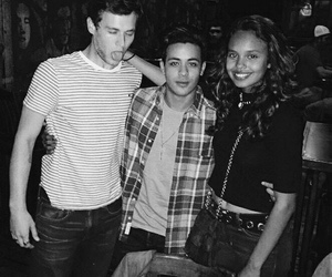 13 reasons why, 13rw, and cast image