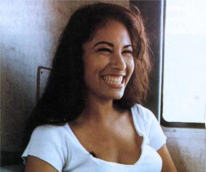 selena, smile, and selena quintanilla image