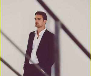 actor and theo james image