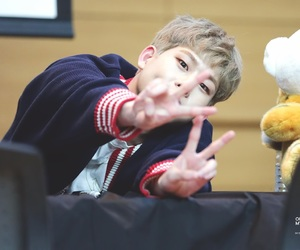 kpop, monsta x, and fansign image