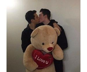 gays, kiss, and pair image