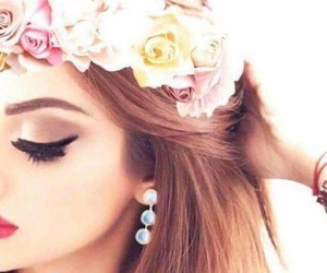 makeup and بُنَاتّ image