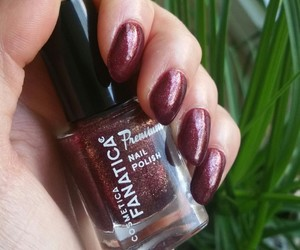 manicure, red, and nail polish image