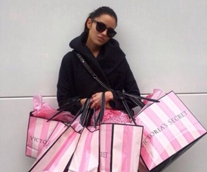shopping and Victoria's Secret image