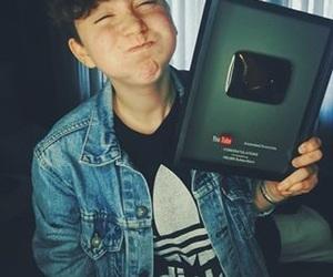 youtube, hella gay, and youtuber image