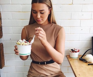 food, shani, and acaii bowl image