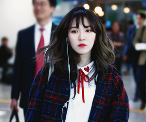 airport, son seungwan, and fashion image