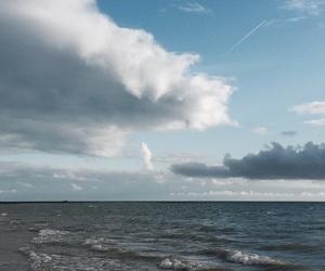 beach, ciel, and sky image