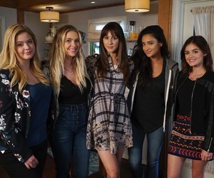 ad, prettylittleliars, and friends image