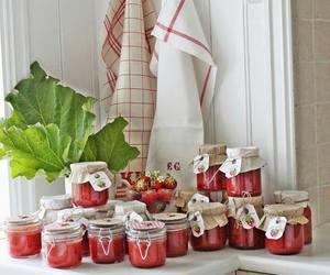 strawberry jam image