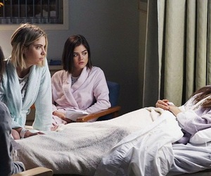 pretty little liars, aria, and emily image