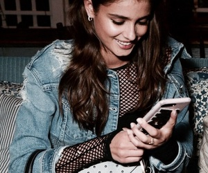 taylor+hill image