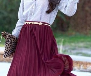 moda and skirts image