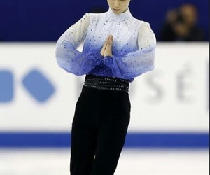 on ice, patinaje, and yuzuru image