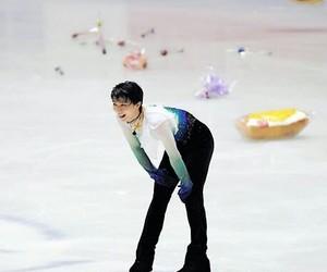 on ice, yuzu, and patinaje image