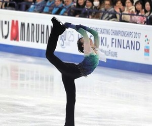 on ice, patinaje, and flexibilidad image