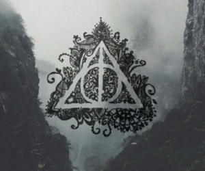 harry potter, deathly hallows, and hogwarts image