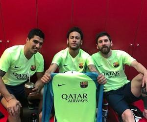 fc barcelona and suarez image