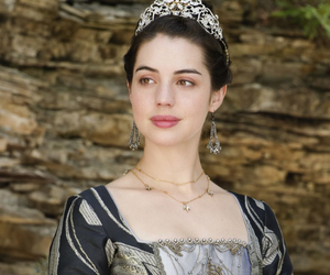 adelaide kane, reign, and queen mary image