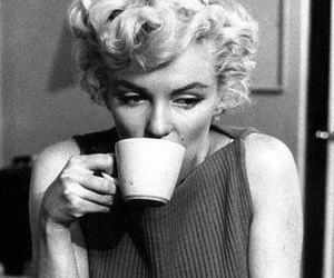 Marilyn Monroe, coffee, and black and white image