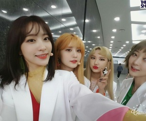 le, junghwa, and hyerin image