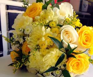 yellow bridal bouquet image