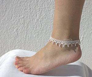 beach, foot jewelry, and wedding anklet image