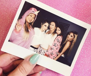 laurdiy, girl, and friends image