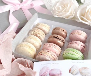 food, pastel, and yummy image