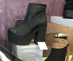 shoes, botas, and wintter image