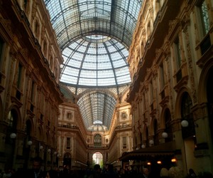 boutiques, italie, and luxe image
