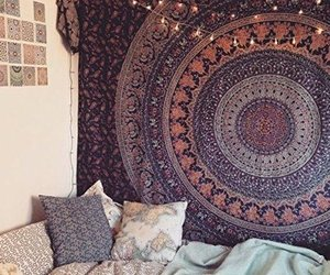 bed, tapestry, and hippie image