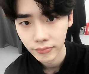 actor, lee jong suk, and kactor image