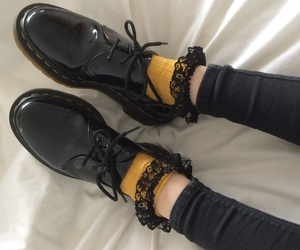 aesthetic, doc martens, and shoes image