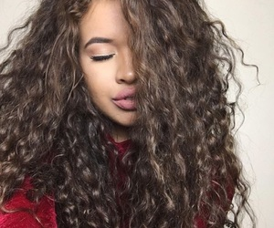 curly hair image