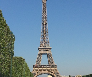 eiffel tower, parc, and threes image
