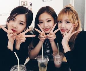rose, lisa, and jennie image