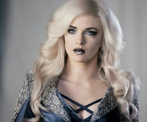 danielle panabaker and killer frost image