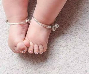 baby and feet image