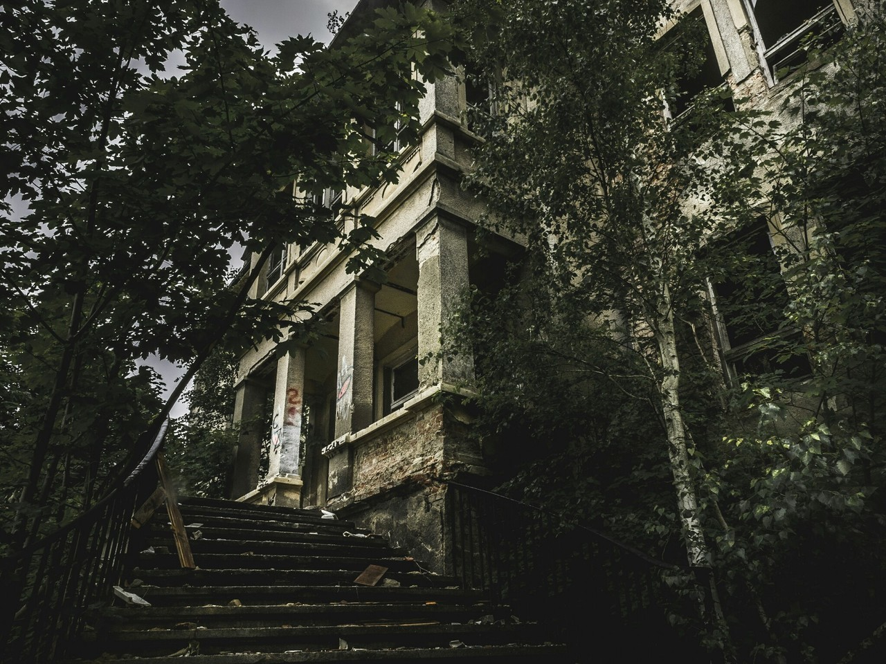 horror+, abandoned+, and lostplace+ image