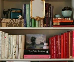 biblioteca, bookcase, and bookshelf image
