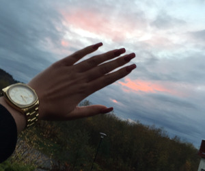 nails and sky image
