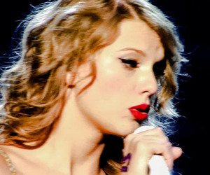 beautiful, enchanted, and Taylor Swift image