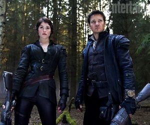 hansel and gretel, jeremy renner as hansel, and gemma arterton as gretal image