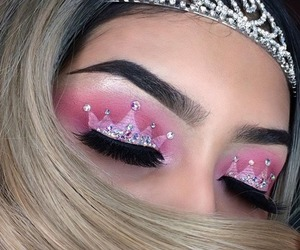 makeup, Queen, and rubia image