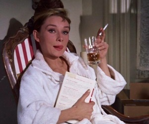 audrey hepburn, Breakfast at Tiffany's, and 60s image