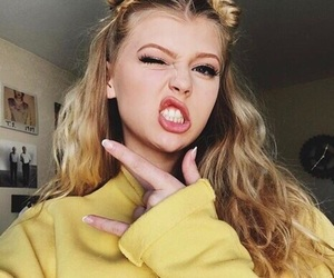 loren, loren gray, and yellow image