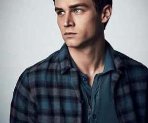 Hot, 13 reasons why, and justin foley image