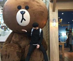 boy, ulzzang, and bear image