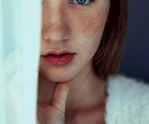 blue eyes, fashion, and freckles image
